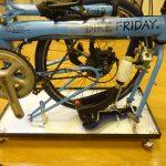 完成した輪行箱へのミニベロ、Bikefridayの梱包方法